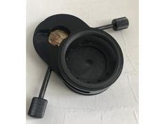 часть конденсора КФ-4 со встроенной диафрагмой, элемент крепления линзы, диска
