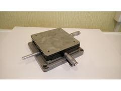 Поворотный столик на микровинтах